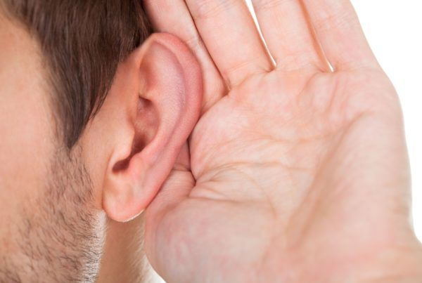 140616-hombre-oreja2
