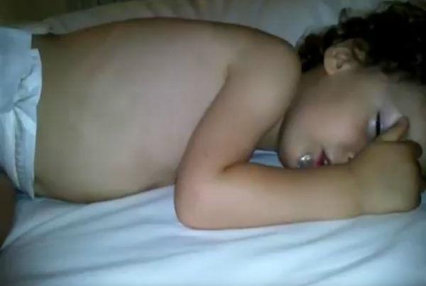 El-niño-roncador-antes-y-después-de-la-reducción-de-amígdalas