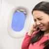 Cómo evitar el barotraumatismo, el dolor de oídos en el avión